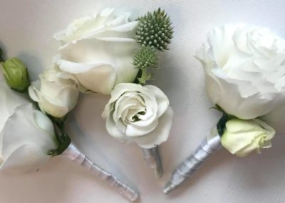 wedding flowers buttonholes and corsages